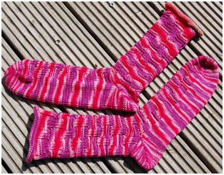 Socks That Rock Rhodonite, Bluemoonfiberarts Socken / Socks