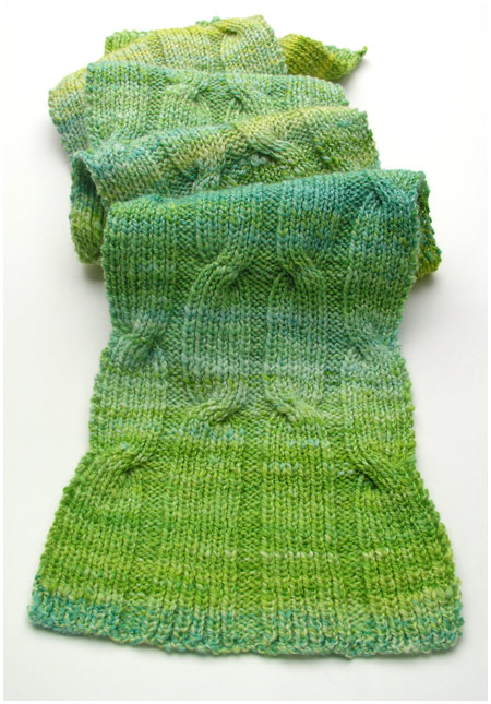 Criss-Cross Cable Scarf: Kostenloses Strickmuster / free knitting pattern